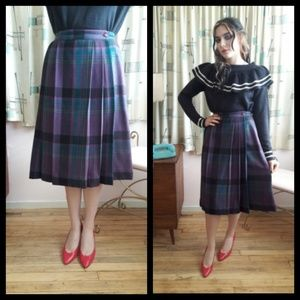 Amazing Vtg 80's purple plaid pleated skirt!!